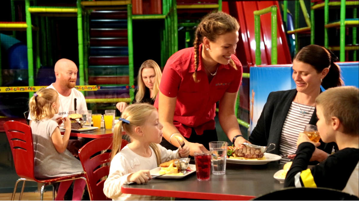 Family Dining_1